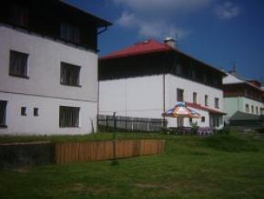 Hotel M & M - Ostrov