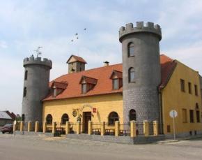 Penzion U Kryštofa - Záříčí