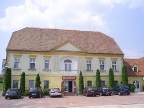 Hotel Club - Vranovská Ves