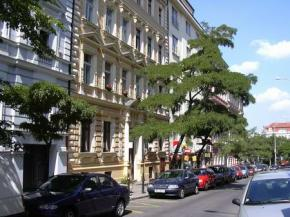 HOLIDAY HOME - Pension / Hotel - Praha