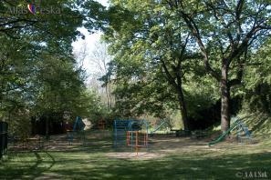 Dětské hřiště nad letohrádkem Kinských
