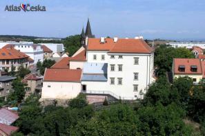 Chvalský zámek v Horních počernicích - stálá expozice Národního muzea