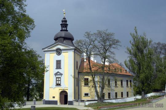 Ctěnický zámek