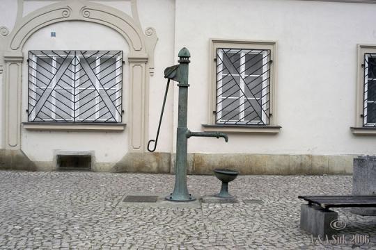 Studna na Betlémském náměstí