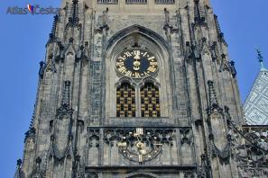 Hodiny na velké věži chrámu sv. Víta