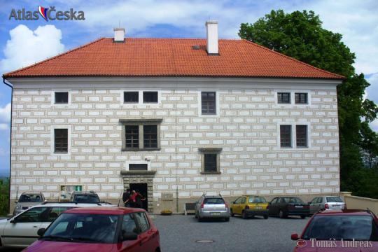 Zámek Nasavrky -