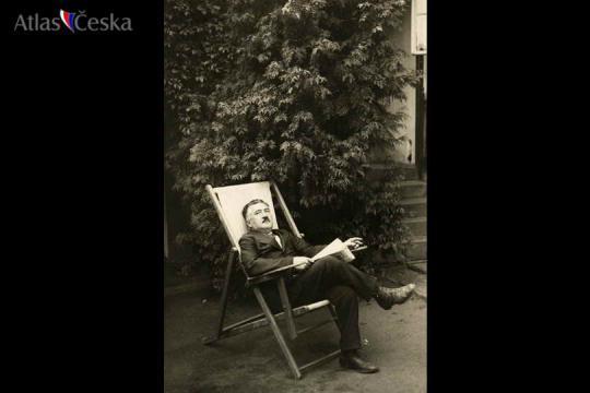Památník Josefa Suka - Křečovice -