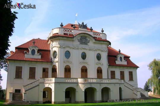 Zámek Bečváry -