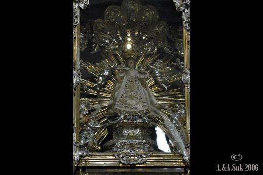 Kostel Panny Marie Vítězné - Karmelitská -