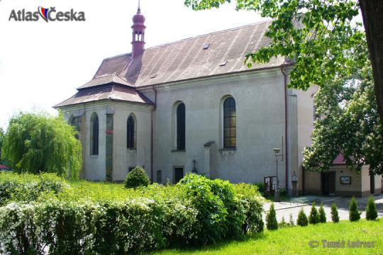 Kostel Nejsvětější Trojice - Sezemice -