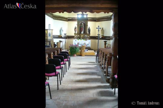 Dřevěný kostel sv. Mikuláše - Veliny -