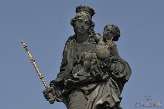 Sousoší Madony se sv. Bernardem -