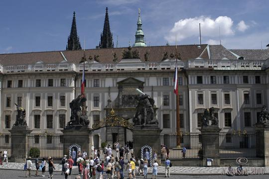 Pražský hrad I. nádvoří -