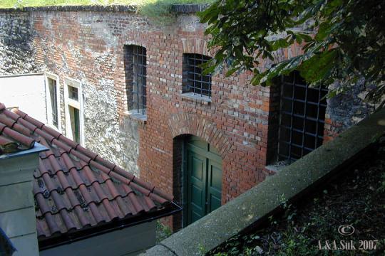 V pevnosti -
