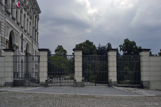 Černín Palace Garden -
