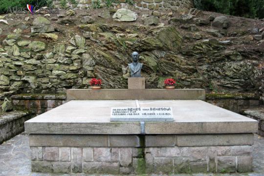 Památník Edvarda Beneše v Sezimově Ústí -