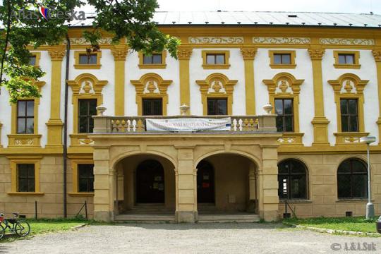 Zámek Linhartovy -