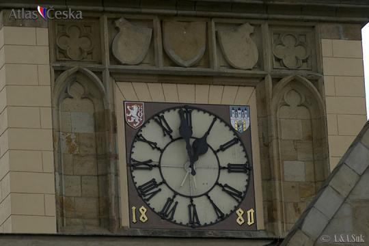 Hodiny na Staroměstské vodárenské věži -